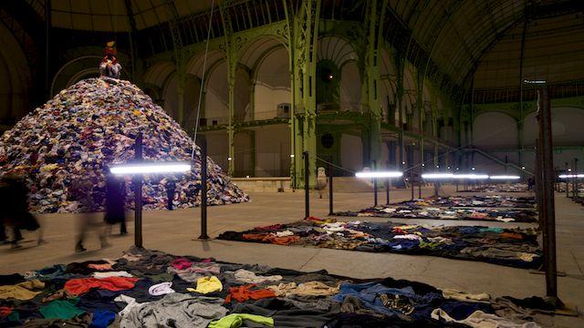 Monumenta 2010 : « Personnes » (Christian Boltanski).