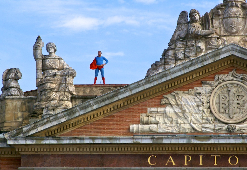 Superman veille sur sa pincée de tuiles