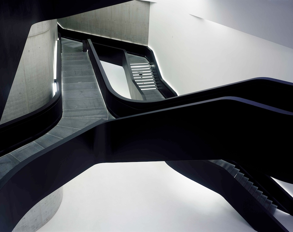 le baroque en faux pli de zaha hadid urbain trop urbain. Black Bedroom Furniture Sets. Home Design Ideas