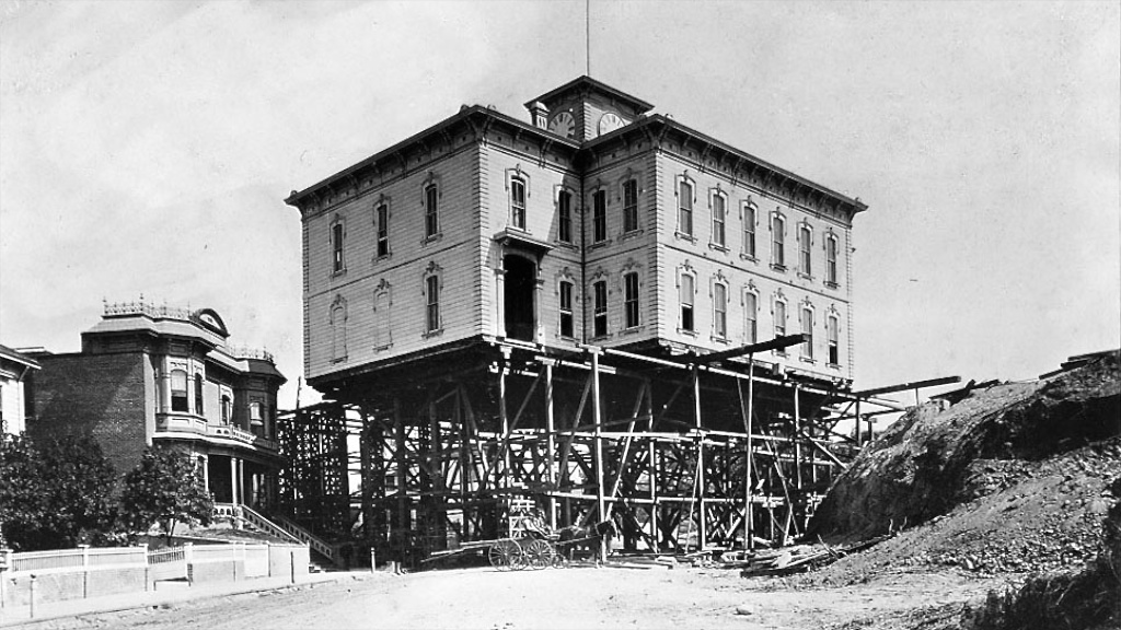 Moving Fort Moore High School in Los Angeles-1886