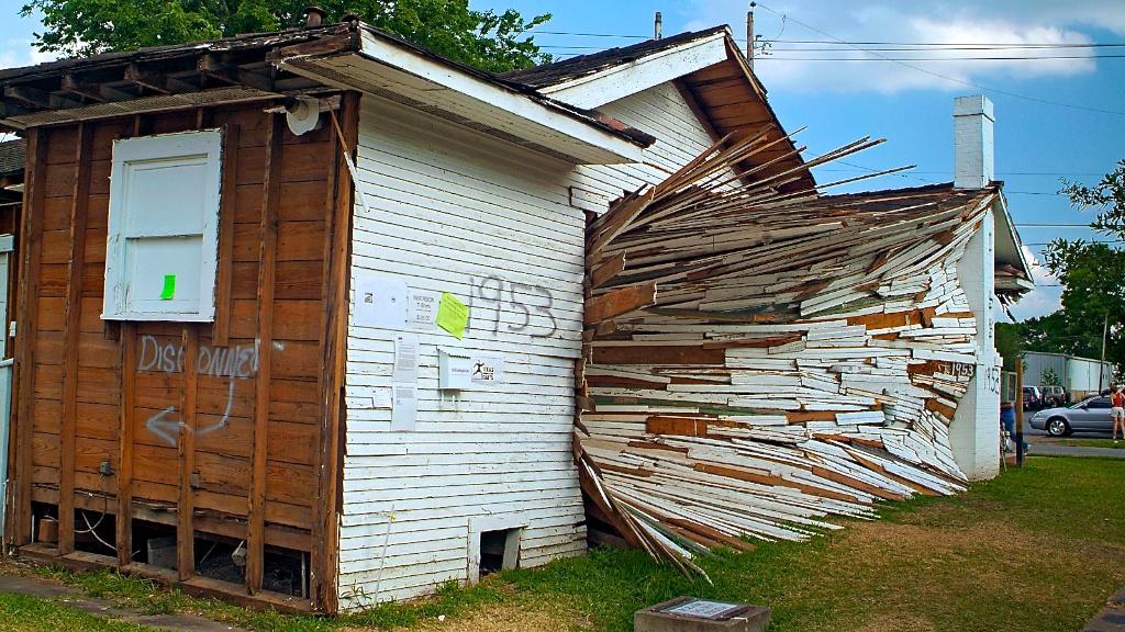 Dan Havel & Dean Ruck, Inverted house, Houston