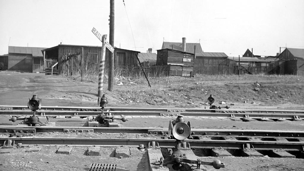 Railroad tracks, St Louis-Missouri, 1939