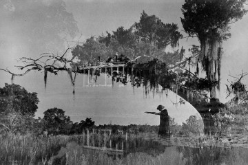Clarence John Laughlin _Ghosts along the Mississippi-1