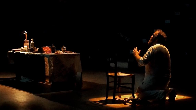 Nouvelle célébration des sédiments, performance de Matthieu Duperrex