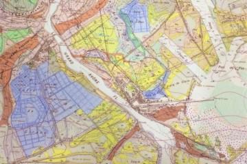 """Carte géologique à 1/50.000 """"Istres, XXX-44-45: La Crau"""", B.R.G.M, 1975"""