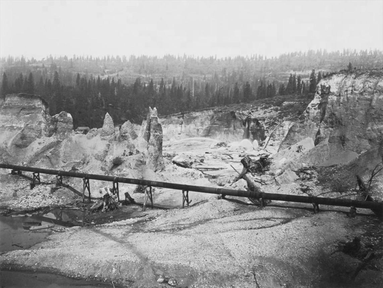 Carleton Watkins, Malakoff Diggins, Nevada, 1871