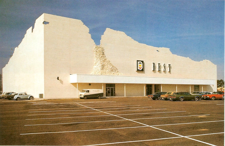 Best Store, Houston, vers 1975