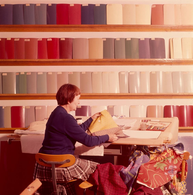 Paule Marrot, recherches chromatiques, centre de recherches de Rueil, régie nationale des usines Renault, 1960 © Renault Communication