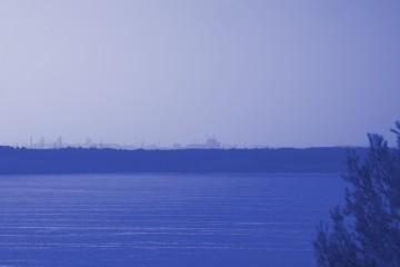 Les horizons parfois se confondent, les strates de vie sont plus ou moins visibles, des histoires apparaissent et disparaissent.